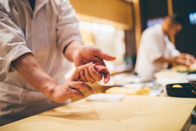 【沖縄県・石垣島】6月OPEN! 寿司レストランの料理長候補(シェフ・板長など)の募集です。