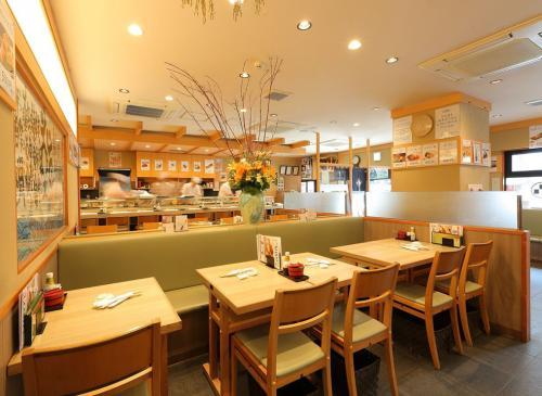 【東京】東京すしアカデミー卒業生限定 行列の絶えない人気店が都内17店舗で寿司職人を募集