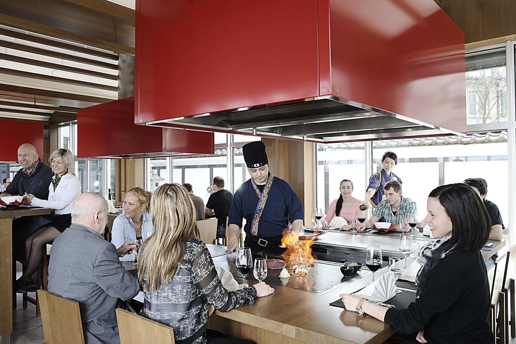 【スイス】4つ星ホテルの日本食レストランで寿司職人を募集!