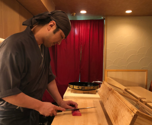 【六本木】新スタイルの寿司バーでランチスタート