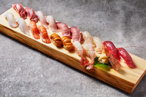 握り寿司18貫盛り合わせ